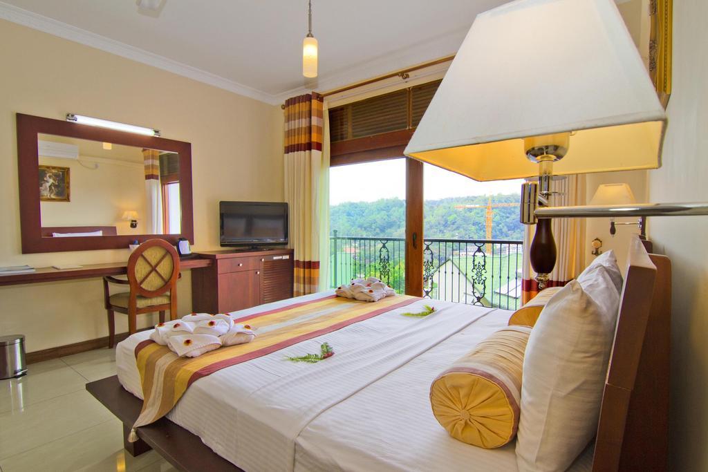 Serene Grand Hotel Kandy Sri Lanka