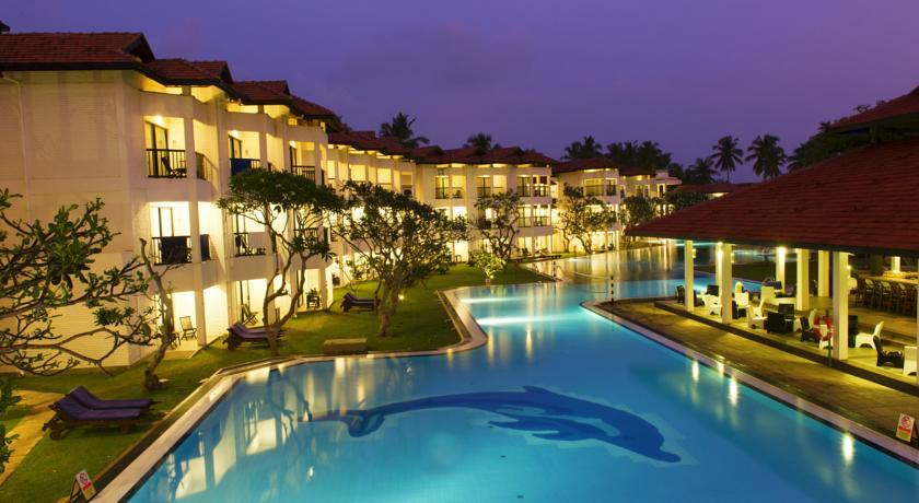 Xenios Dolphin Beach Hotel